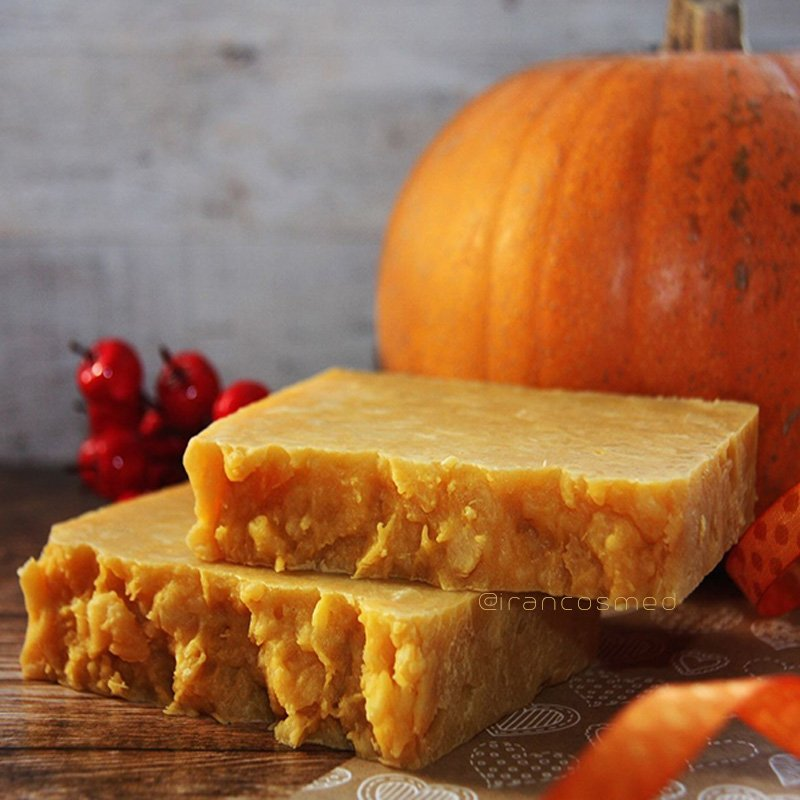 ایران کازمد organic-handmade-pumpkin-soap-irancosmed-1-du-2019-07-05-18-51-3330 صابون لایه بردار گیاهی | صابون کدو حلوایی ارگانیک ایران کازمد